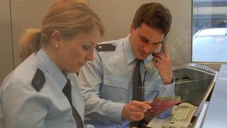 Überprüfung der Ausweisdokumente